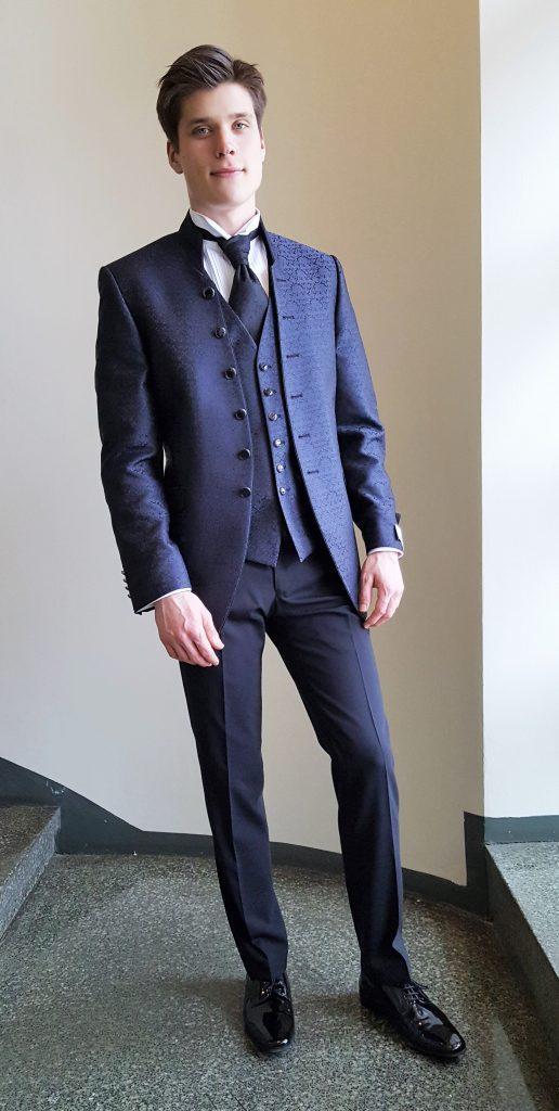 miesten puvun takki ja liivi