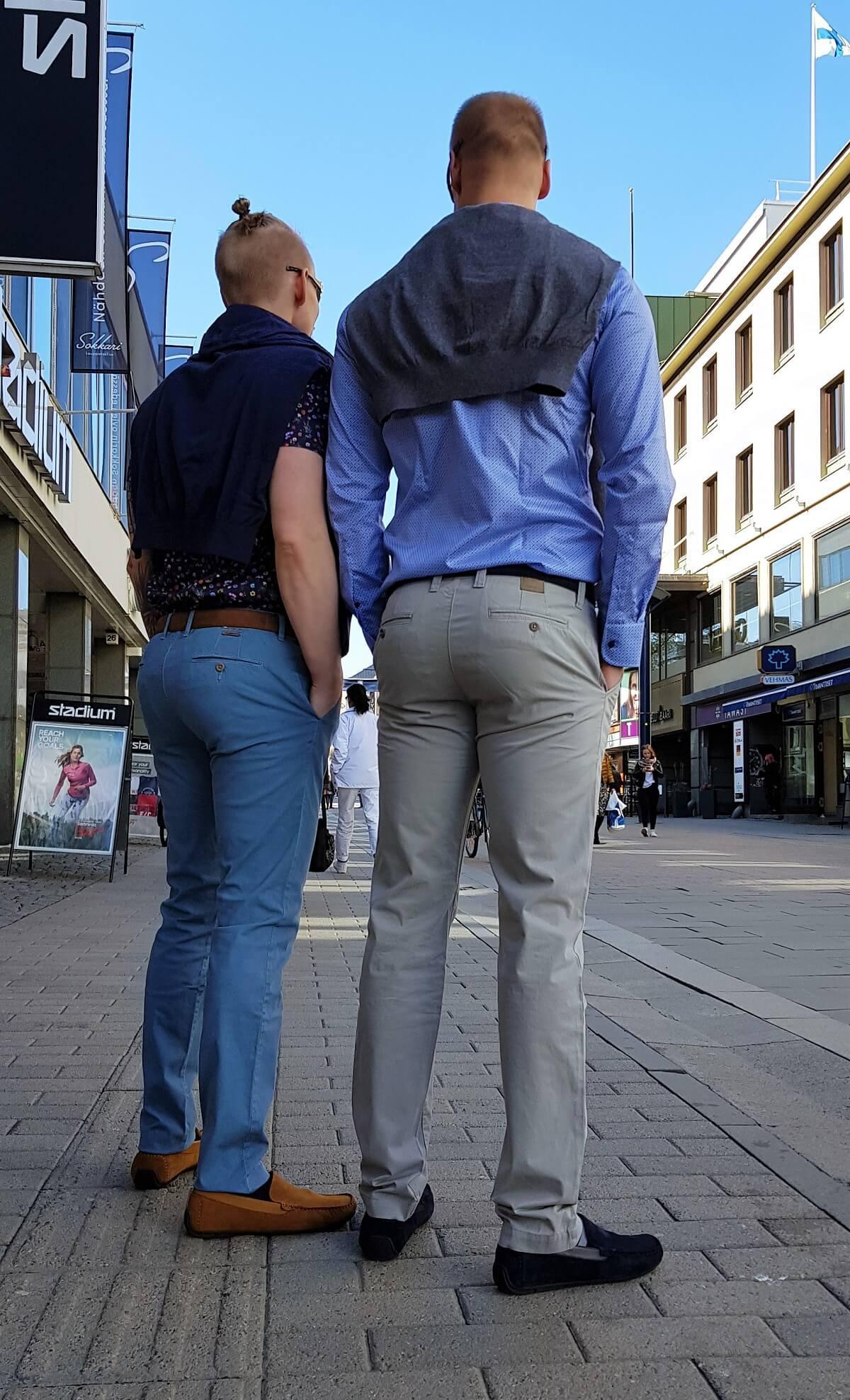Miesten housut