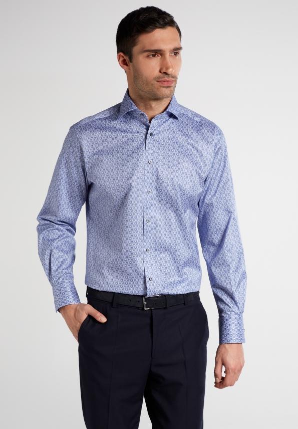 Naisten valinnat: Näissä vaatteissa mies on seksikkäimmillään!